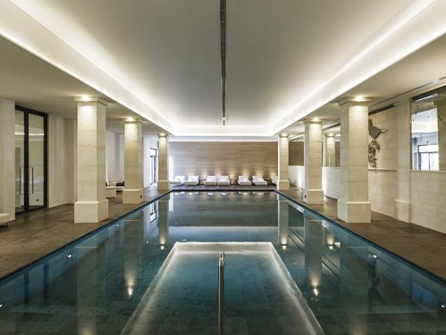 studio-bizzarro-awards-interni-piscina